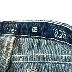 D9 Jeans - D9 Bae Embroidered Stitch Distressed Cropped Jeans